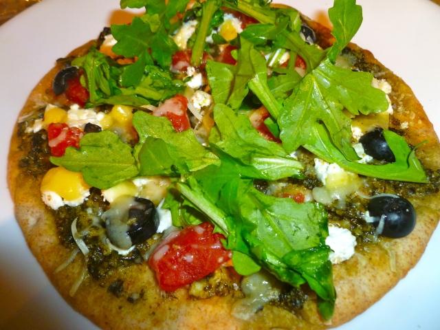 mini.pizza.with.arugula