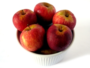 bowl.of.apples